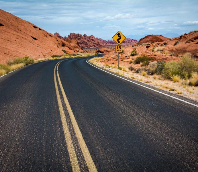 road-1030888_1920